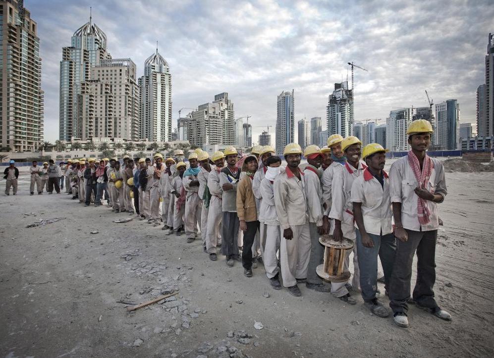بڑی خوشخبری: عرب امارات کے مزدور قوانین میں انقلابی تبدیلیاں