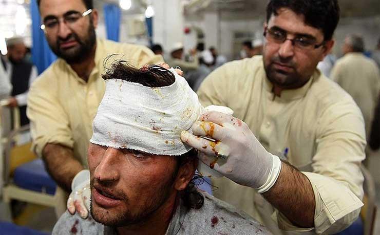 پاکستان میں زلزلہ، تصویروں کی نظر میں