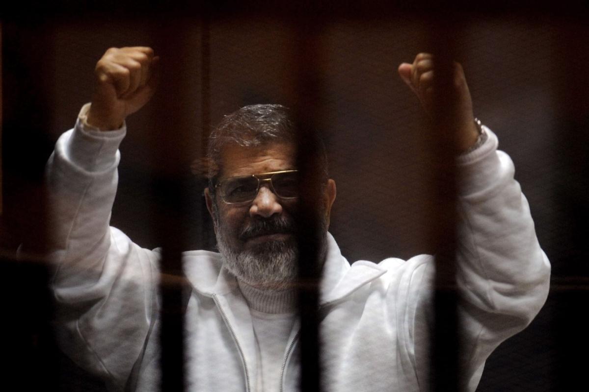 مصر، محمد مرسی کو 15 سال قید، الجزیرہ کے صحافیوں کے لیے سزائے موت
