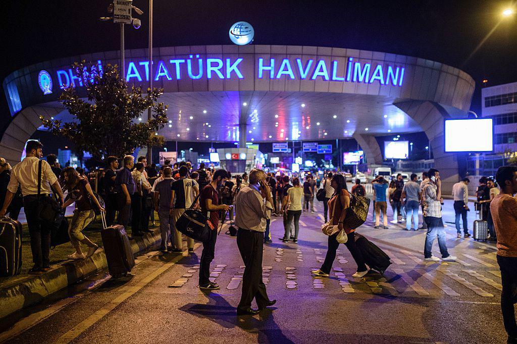 ترکی: استنبول کے اتا ترک ہوائی اڈے پر خود کش حملہ ، اٹھائیس سے زائد افراد ہلاک !