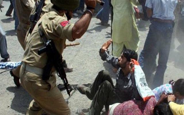 بھارتی سینٹرل ریزرو پولیس فورس نہتے کشمیریوں کو بلا جواز قتل کررہی ہے ! ریاستی پولیس افسر کا انکشاف