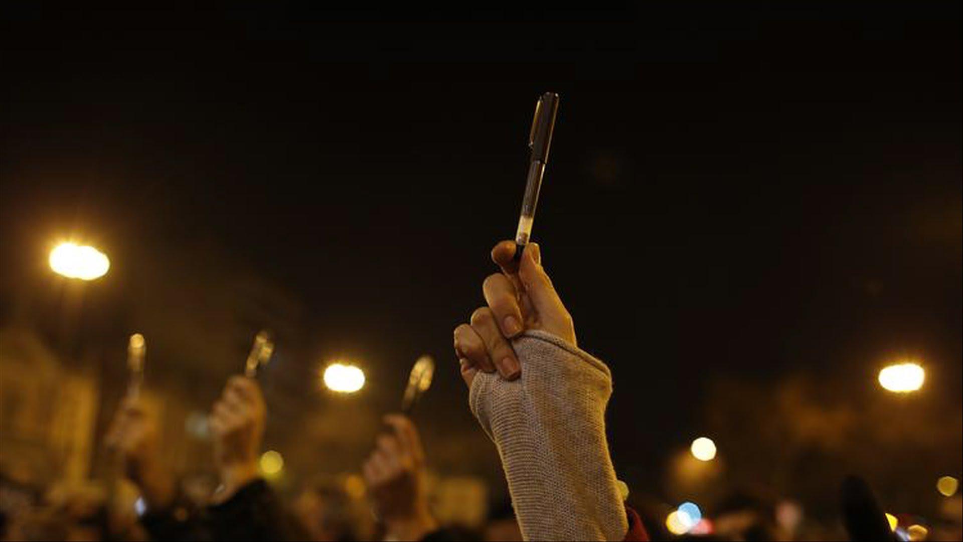ایران میں سینکڑوں صحافیوں کو