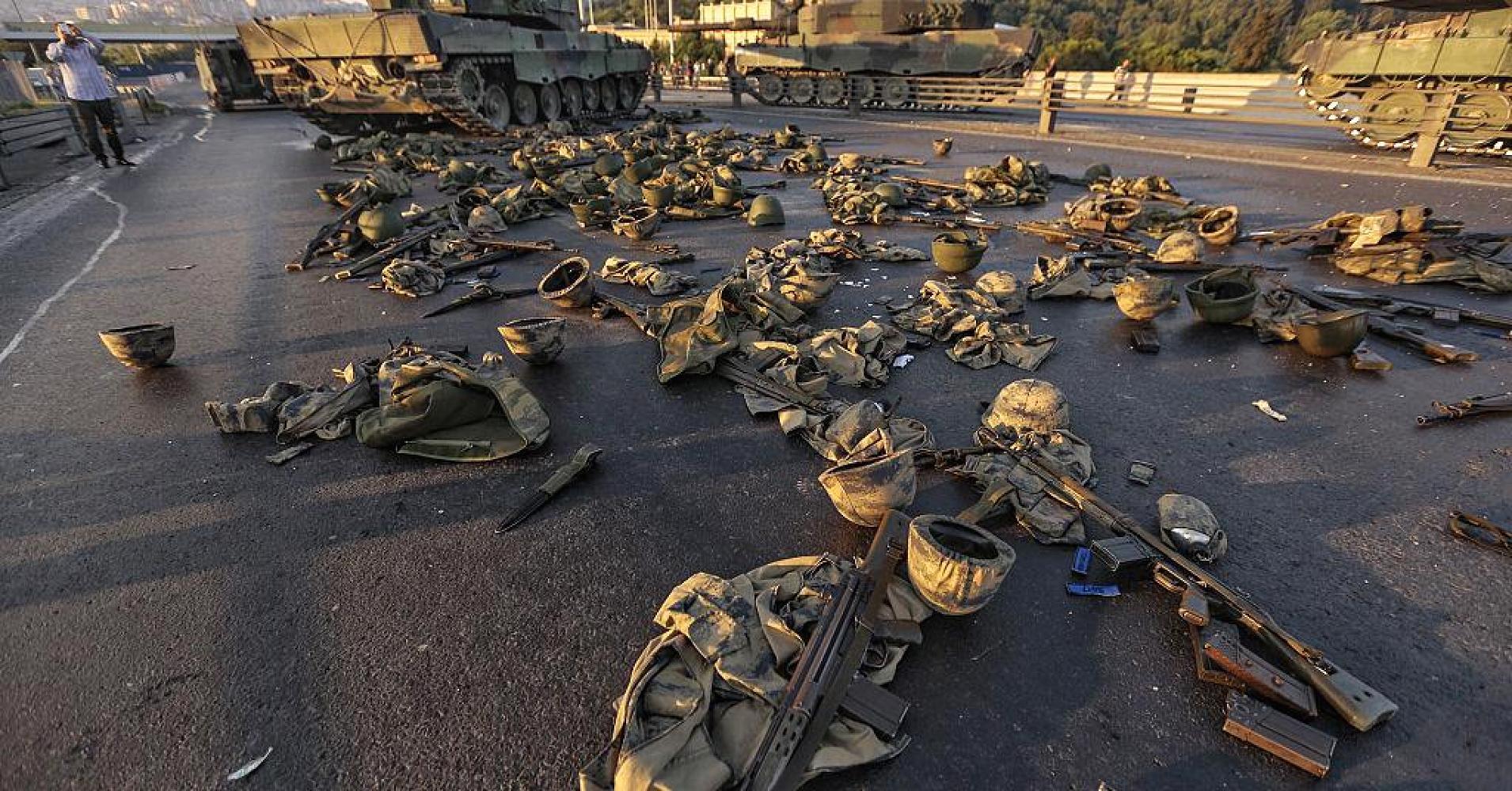 ترکی بغاوت، 10 ہزار افراد زیر حراست