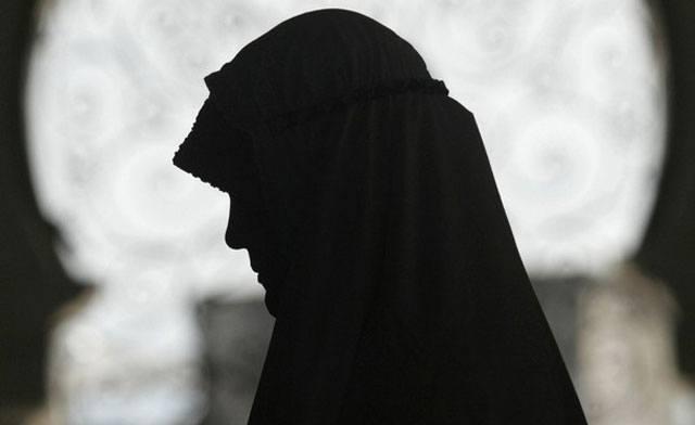 مصرکے سرکاری اداروں میں خواتین کے نقاب پر پابندی کی مہم شروع