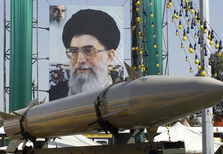 ایران کی طرف سے اتحادیوں کو اسلحہ فراہم کرنے کا اعلان۔امریکا میں شدید تنقیدکا طوفان
