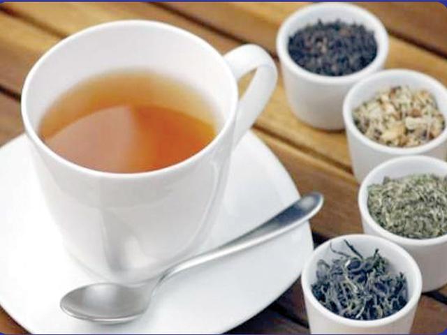 جڑی بوٹیوں کی چائے
