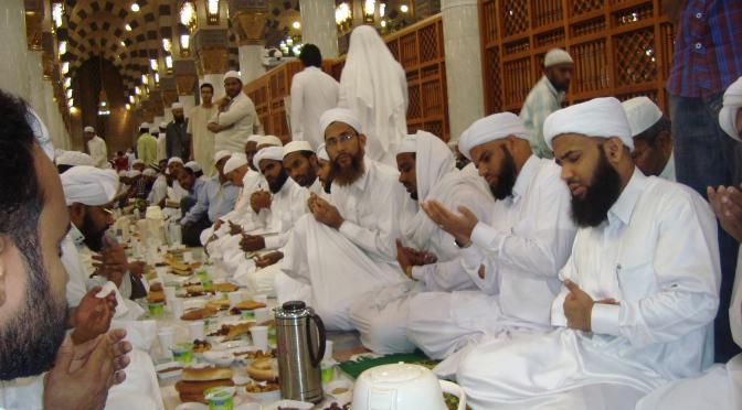 کھانے پینے کے آداب اُسوۂ رسول اللہ کی رُوشنی میں