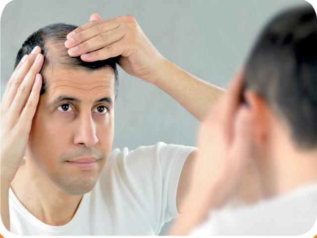 اگر بال جھڑ رہے ہیں تو آپ میں اس چیز کی کمی ہے