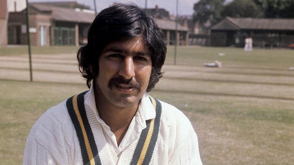 پاکستانی کرکٹ کی تاریخ کاسب سے خطرنا ک فاسٹ بائولر،ریورس سوئنگ کے موجد سرفرازنواز