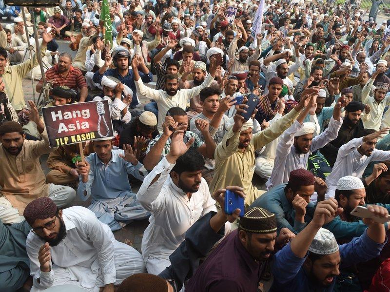 آسیہ مسیح بری، مذہبی جماعتوں کا ملک بھر میں احتجاج