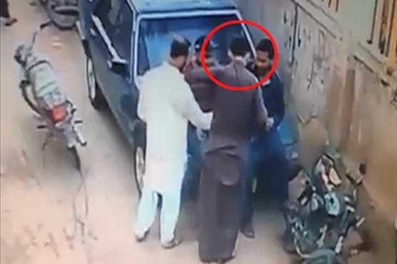 کراچی: اسٹریٹ کرائمز کا عفریت بے قابو ، شہری غیرمحفوظ، پولیس بے بس