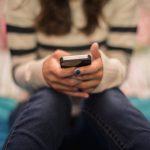 پاکستان میں خواتین کی کم تعداد اسمارٹ فون کا استعمال کرتی ہیں ، رپورٹ