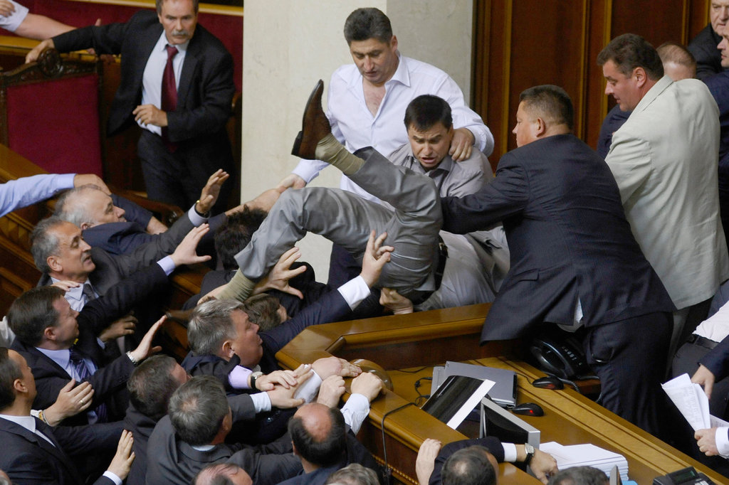 سیاستدان کو روسی ایجنٹ کہنے پر یوکرینی پارلیمنٹ میں ہنگامہ