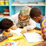 مصرمیں 30 ہزار بچوں کو آوارگی کا شکار ہونے سے بچانی والی بیلجین خاتون