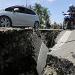 انڈونیشیا میں 6.5شدت کا زلزلہ ، سڑکیں ، عمارتیں تباہ