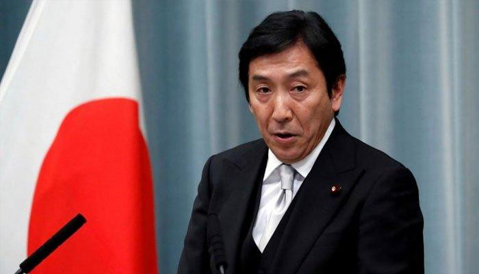 تحائف میں فروٹ دینے کے الزام پر جاپان کے وزیر تجارت مستعفی