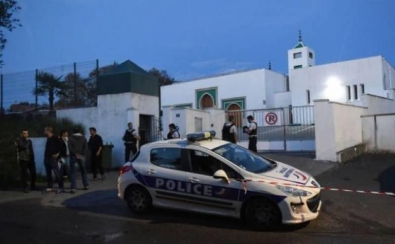 پیرس میں مسجد کے باہر فائرنگ، 2افراد زخمی