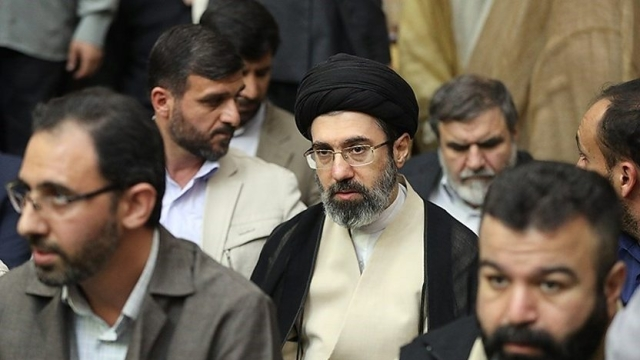 علی خامنہ ای کے بیٹے سمیت9 ایرانی شخصیات اور ایک ادارے پرامریکی پابندیاں