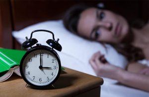 بے خوابی فالج اور ہارٹ اٹیک کا خطرہ بڑھا دیتی ہے، نئی تحقیق