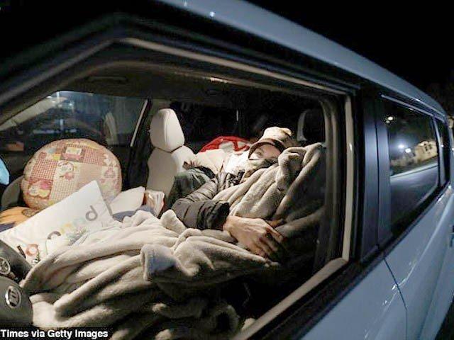 امریکی ریاست کیلیفورنیا میں 16ہزاربے گھر افراد گاڑیوں کے اندر سونے پر مجبور