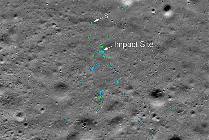 ناسا نے چاند پر بھارتی لینڈر کا ملبہ تلاش کر لیا،تصاویر بھی جاری