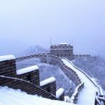 دیوارِ چین نے برف کی سفید چادر اوڑھ لی