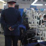 روسی جیلوں کے قیدیوں کو سرجیکل ماسک تیار کرنے کا حکم