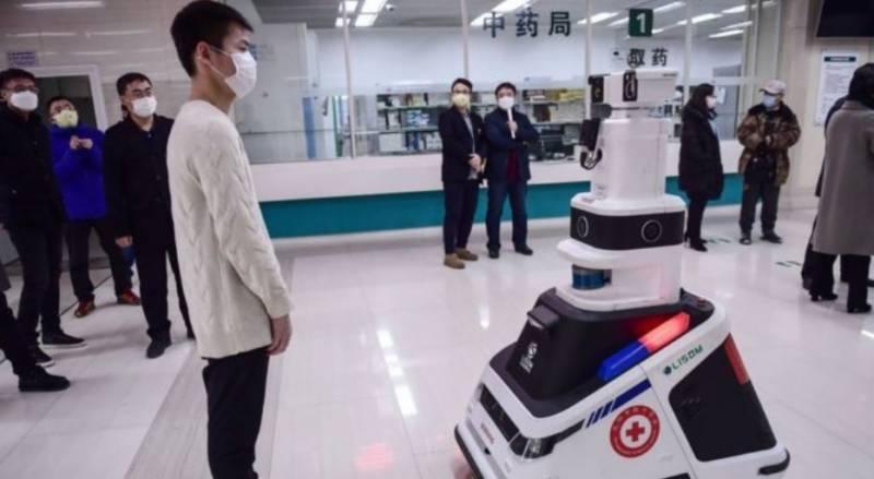 کورونا سے بچا وکیلیے جراثیم کش اسپرے کرنے والے روبوٹس تیار