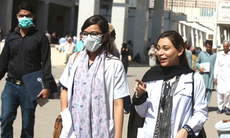 پاکستان بھر میں کورونا سے 38 صحافی متاثر، 2 جاں بحق ہوگئے