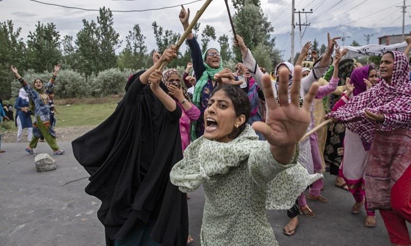 کشمیر میں بھارتی مظالم دنیا کو دکھانے والے فوٹوگرافرز نے ایوارڈ جیت لیا