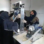 افغان لڑکیوں نے گاڑیوں کے پرزوں سے سستے وینٹی لیٹر بنا نا شروع کر دیے