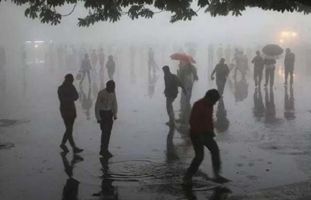 بھارت ،آسمانی بجلی گرنے سے 130 افراد ہلاک