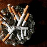 برطانیا میں کورونا خوف سے دس لاکھ افراد نے سگریٹ نوشی ترک کر دی