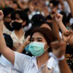 تھائی لینڈ میں ہزاروں نوجوان ملک کے بادشاہ کے خلاف سڑکوں پرآ گئے