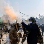 بھارت میں کسانوں کا احتجاج جاری، پولیس کا وحشیانہ تشدد