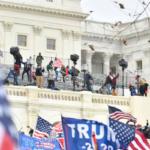 امریکی پارلیمنٹ پر حملہ، 150 سے زائد افراد پر الزامات عائد