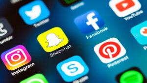 سوشل میڈیا پرجعلی اکائونٹ ، چیئرمین سینٹ نے پی ٹی اے اور ایف آئی اے حکام کو طلب کرلیا