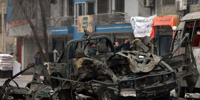 کابل میں تین گاڑیوں کو دھماکوں سے اڑا دیا گیا، 5 افراد ہلاک