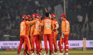 اسلام آباد یونائیٹڈ نے سنسنی خیز مقابلے کے بعد کراچی کنگز کو 5 وکٹوں سے ہرادیا