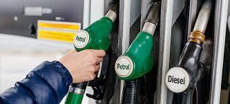 تبدیلی سرکار کے تین سال،پیٹرول اور ڈیزل کی قیمتیں تاریخ کی بلند ترین سطح پر جاپہنچیں