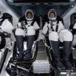 خلائی شٹل اسپیس ایکس پہلی بار چار افراد کو لے کر خلا میں روانہ